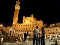 Siena piazza at night